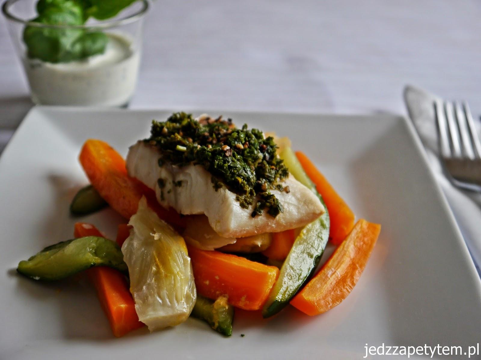 filet rybny w warzywami