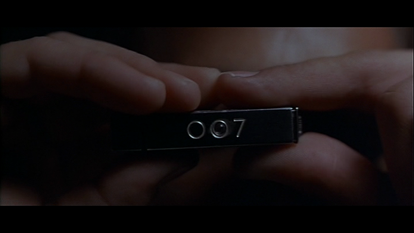 Moonraker-James-Bond-007-camera.png