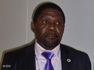 Angola: 45 dias em standby – DEMOCRACIA INTERNA DA UNITA TAMBÉM FOLGA?