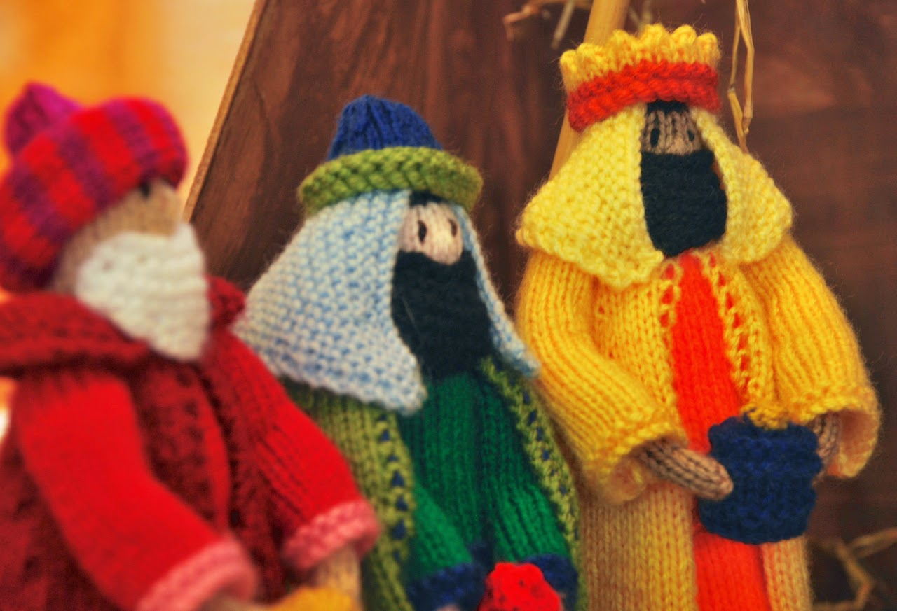 Knitting Pattern Nativity : Stitchin Bints: Finished project, Knitted Nativity