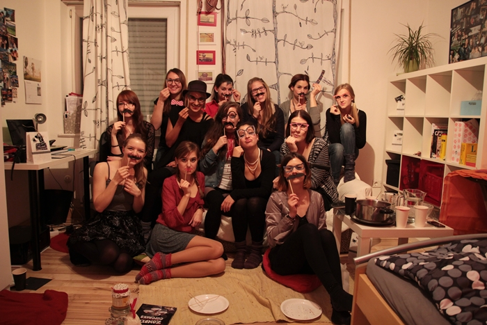 How to create a last minute halloween party