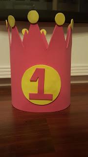 cumpleaños; corona; primer cumpleaños