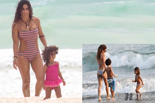 Vica andrade en playa con familia