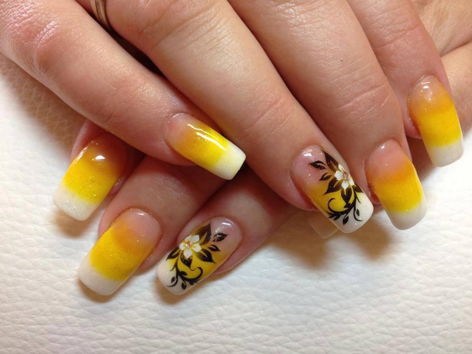 Teenage Glam: Yellow & Black Nail Art Design