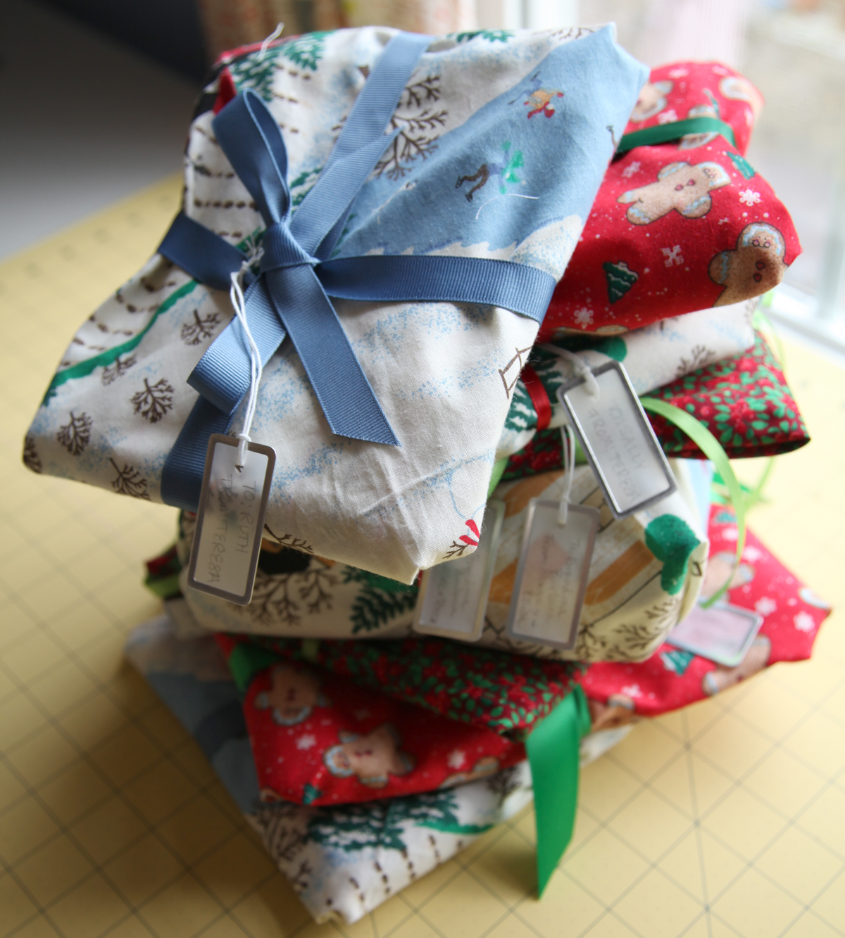Green Bag Lady Quick Gift Wrap Tutorial