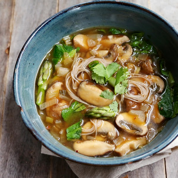 vegan hot and sour mushroom soup, hot and sour mushroom soup