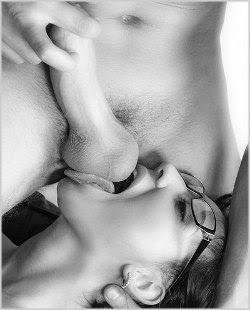 como fazer o sexo oral perfeito em um homem mulher chupando o saco