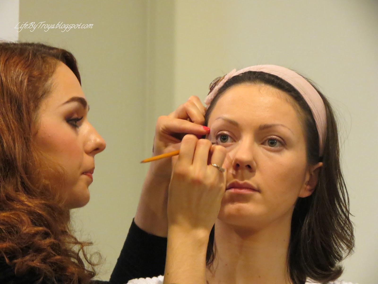 Учебные центры макияжа барнаул