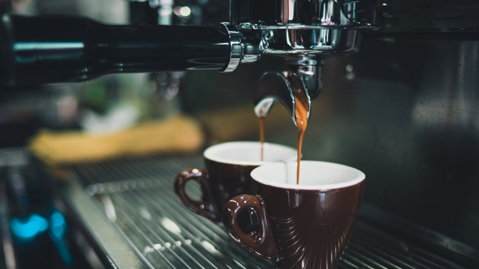 Πωλείται επιχείρηση καφέ στη Λιβαδειά