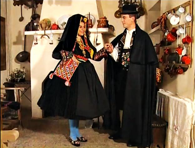 Indumentaria tradicional de Extremadura: Coria, Torrejoncillo, Montehermoso y Mata de Alcántara
