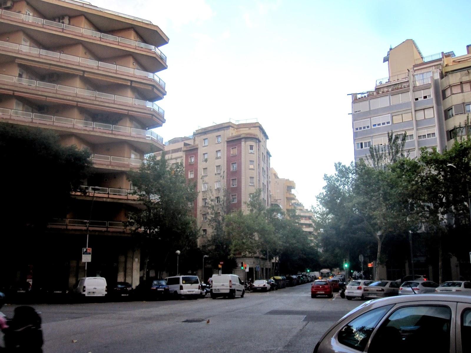 Tot barcelona el trole del barrio de sant antoni for Calle mistral