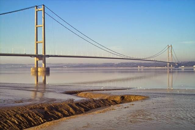 UK. Humber Bridge. The main span - 1 410 m.