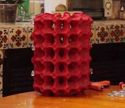 Lampara con hueveras recicladas