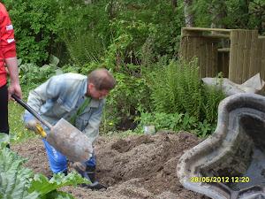 Puutarhapalvelua ja talonmiespalvelua paikassa kuin paikassa sopimuksen ja tilauksen mukaisesti