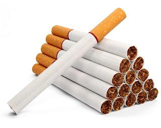سيجارة وولاعة