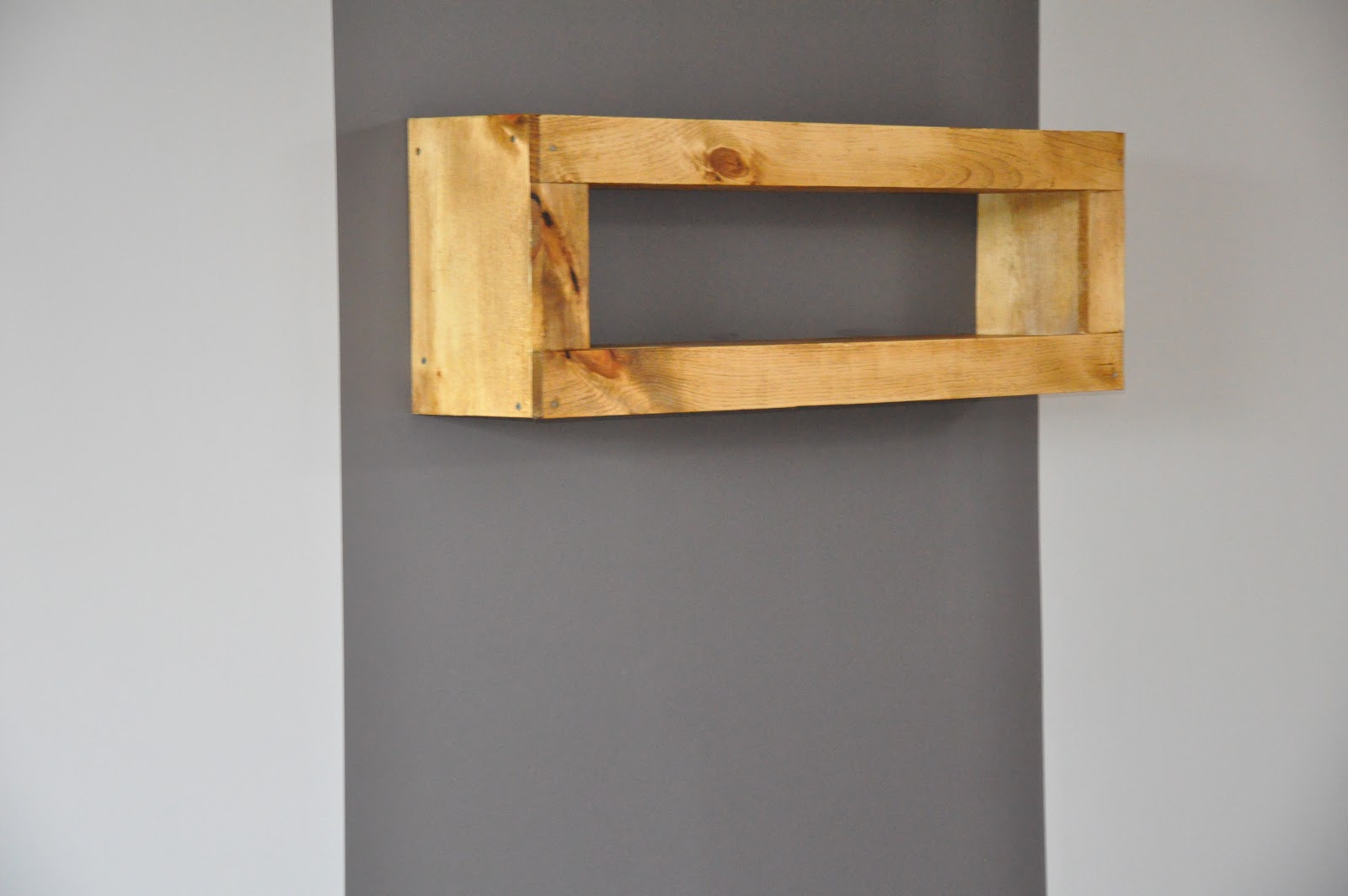 Etag re suspendue dans les airs by tipy tipydesign - Etagere suspendue design ...