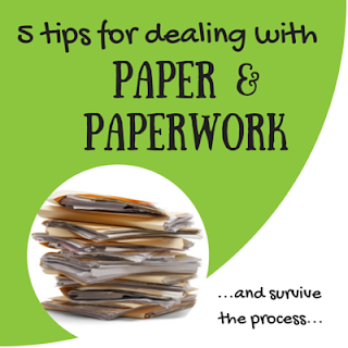 http://keepingitrreal.blogspot.com.es/2015/04/5-tips-for-dealing-with-paper-paperwork.html