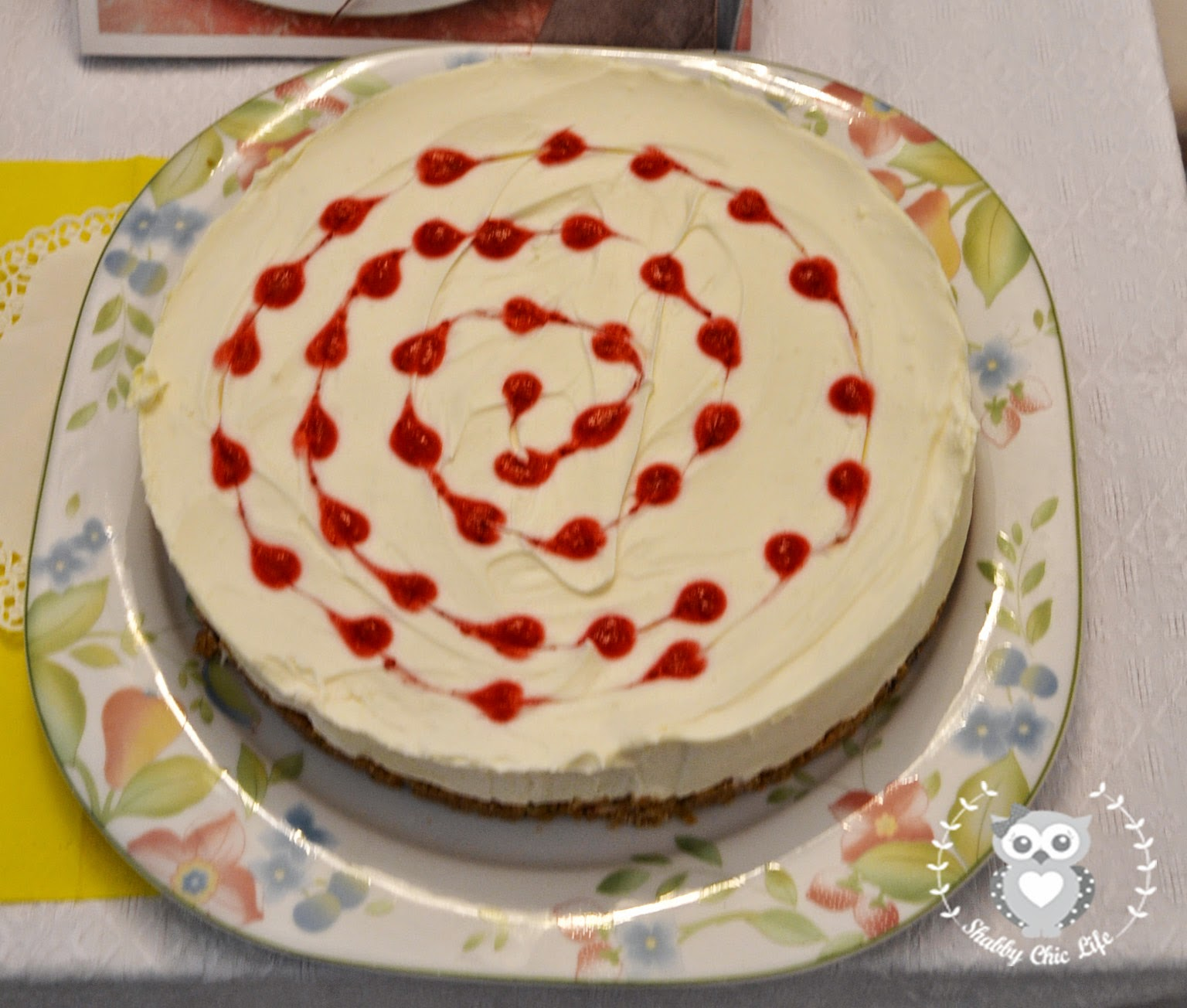 Cheese cake con coulis di fragole e lamponi