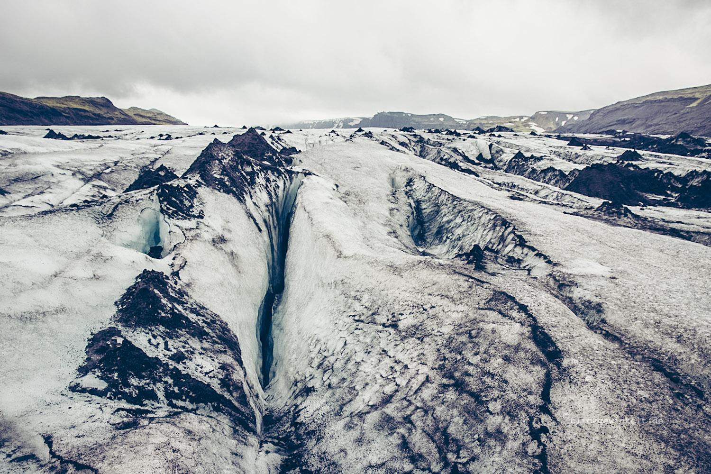 Ansicht des Sólheimajökull, Eis, Lavaasche, Gletscherspalten