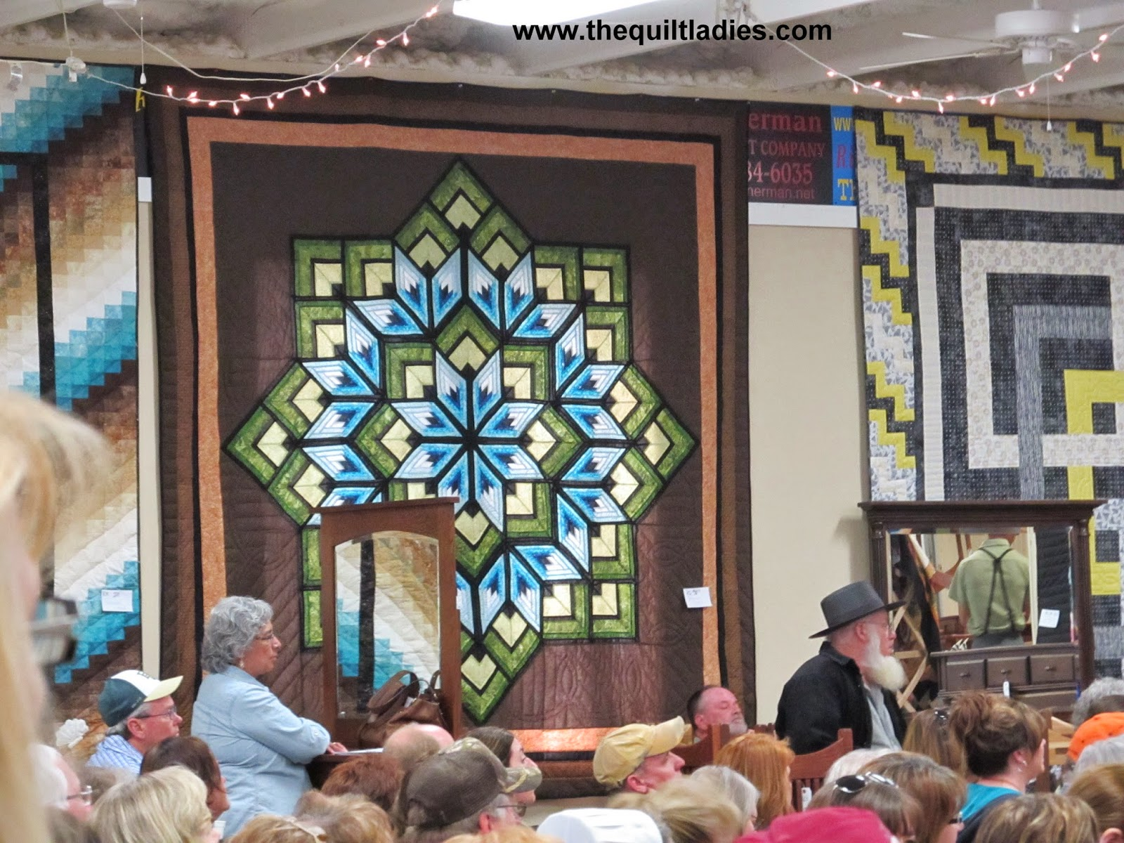 Amish quilt auction in Jamesport, MO