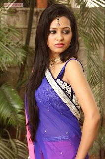 Actress-Geeth-Shah-Stills-at-Manitha-Kadhal-Alla-Movie-Launch