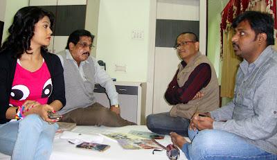 चांद कें तकैत छथि निर्देशक उदय राज