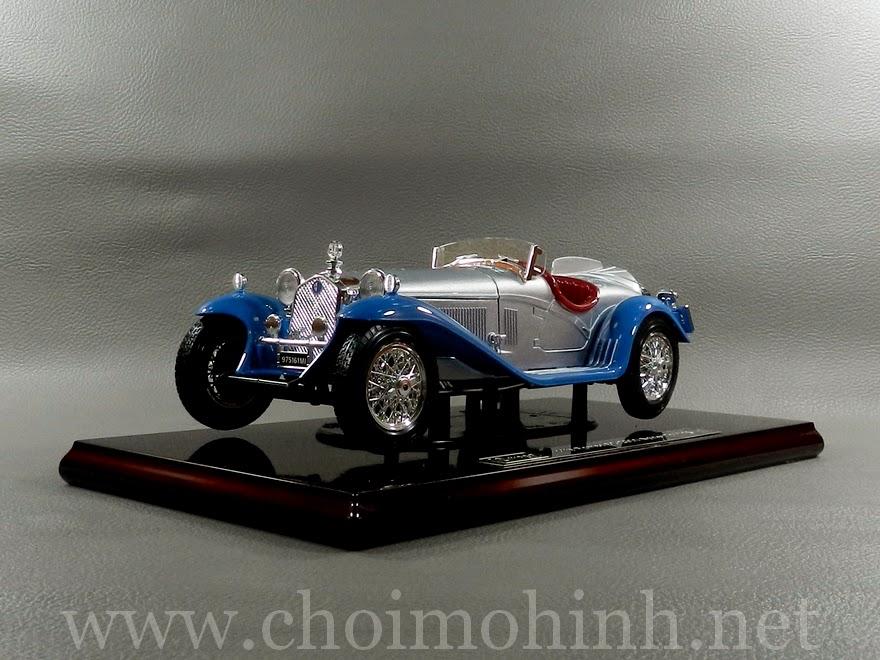 Alfa Romeo 8C Spider Touring 1932 1:18 bBurago