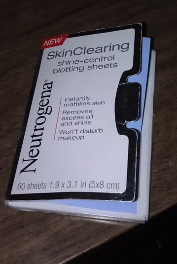 Neutrogena Rapid Clear Oil Eliminating Foaming Cleanser - Reviews. Write a Review; Neutrogena Rapid Clear Oil Eliminating Foaming Cleanser. Brand: Neutrogena. 97 reviews. 5. I've used it for 5 weeks and i havent needed to use oil absorbing sheets since! It's incredible! My face feels soft after using it and it looks freshly washed ALL.