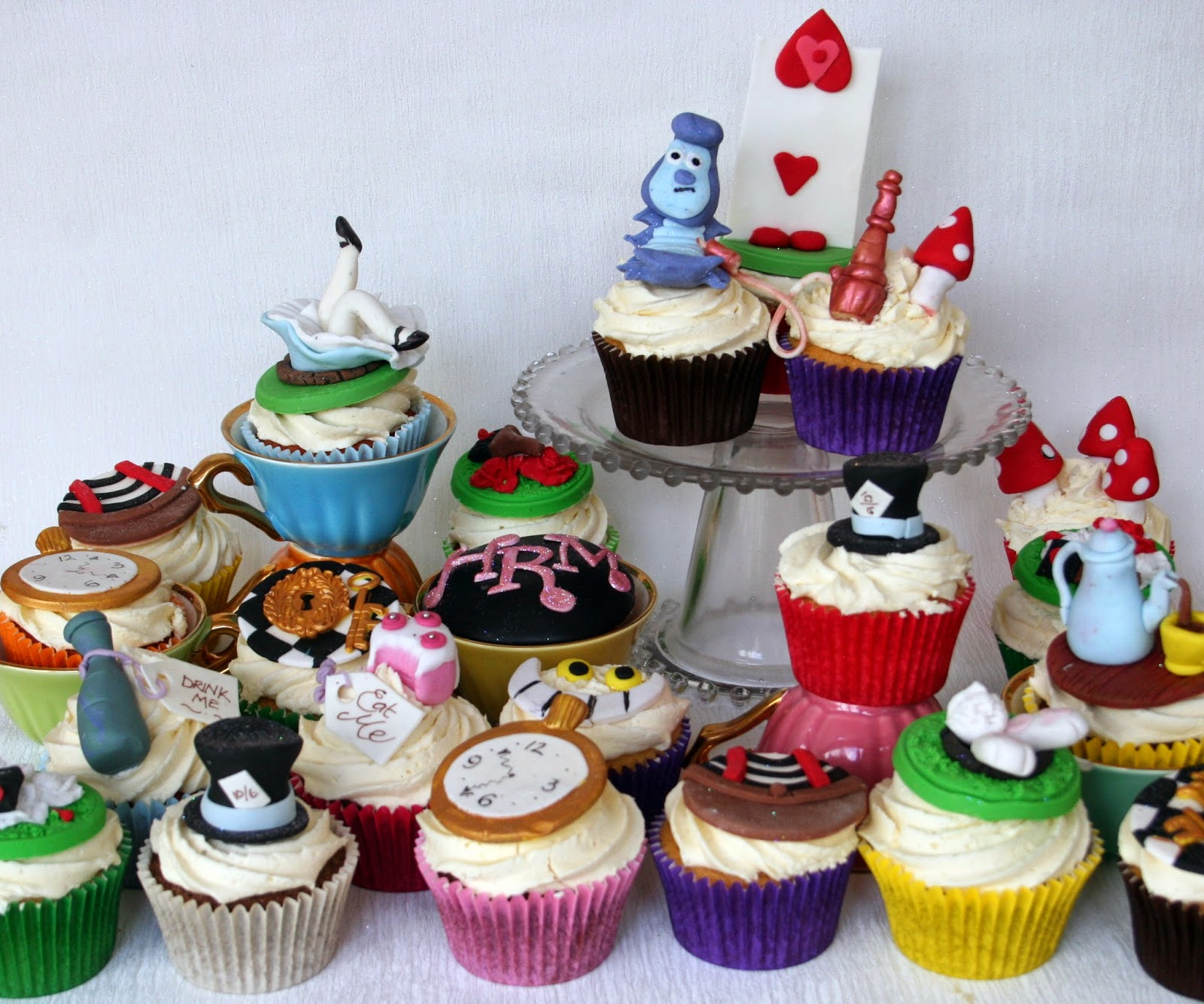 asset and wonderland cupcakes