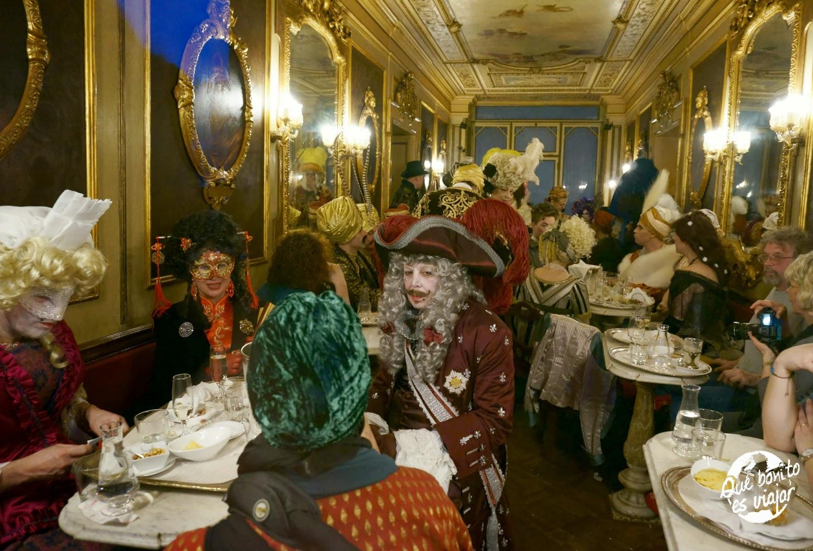 Cafe Florian en Carnaval en Venecia