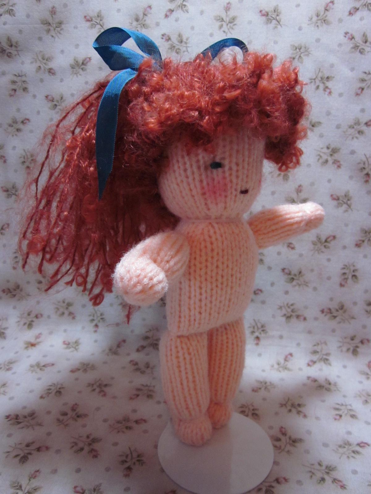 Мастер-класс по вязанию крючком: Лапоточки для кукол 60