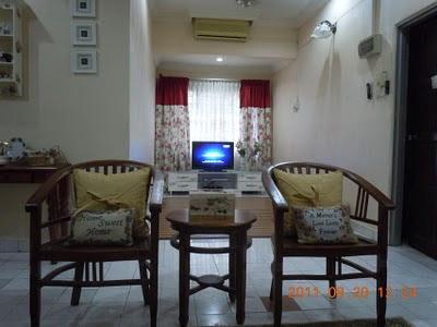 Gambar diambil dari tengah-tengah ruang tamu utama menghala tempat