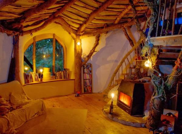 В къщата всичко е от естествени материали-покрива и стените са хидроизолирани