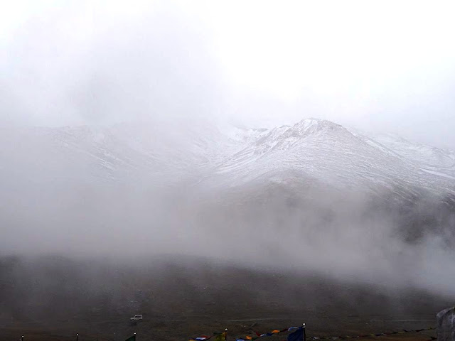 Snow at Kunzum La, Himachal