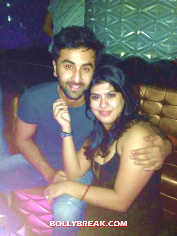 Ranbir Kapoor with Fan at nightclub -  Ranbir Kapoor & Arjun Kapoor nightclub Pics