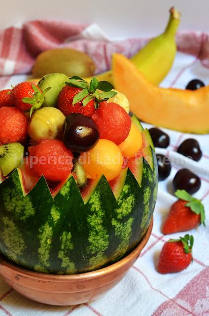 hiperica_lady_boheme_blog_di_cucina_ricette_gustose_facili_dessert_anguria_ripiena_di_frutta_2