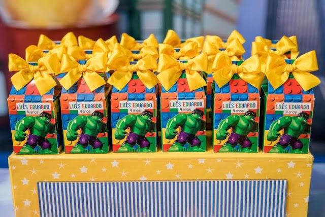 festa com tema LEGO