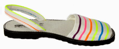Sandalia ibicenca modelo Ibiza fluorescente blanco