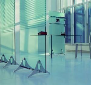 Cristal en la arquitectura de interiores ideas para decorar dise ar y mejorar tu casa - Paneles divisorios para oficinas ...