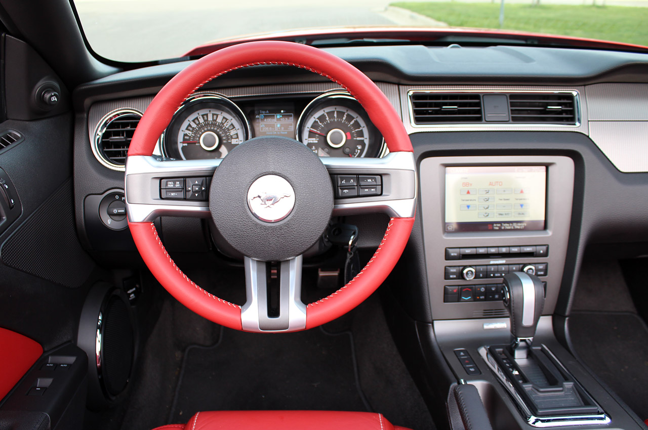 2013 ford mustang gt review - 2013 Ford Mustang Interior