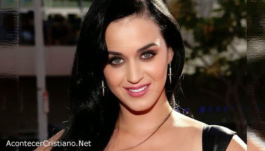 Pastor dice que Katy Perry le canta al diablo
