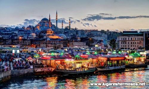 Visita los imponentes palacios y mezquitas en la bella Turquia
