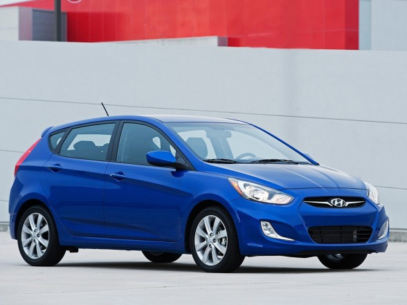 daily car pictures 2012 hyundai accent. Black Bedroom Furniture Sets. Home Design Ideas