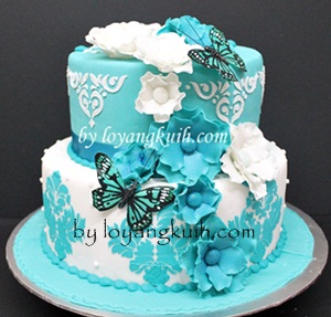 Fondant Wedding Cake