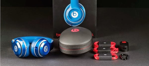 Beats Studio Wireless headsets