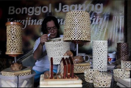 bisnis usaha kreatif dari bahan baku bonggol jagung