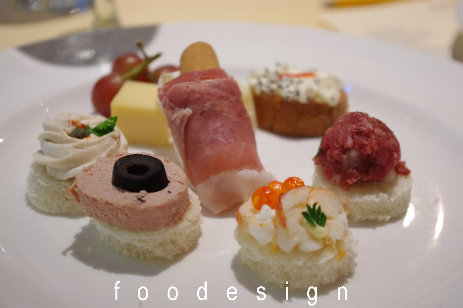 Foodesign cruise food presentations for Canape wines