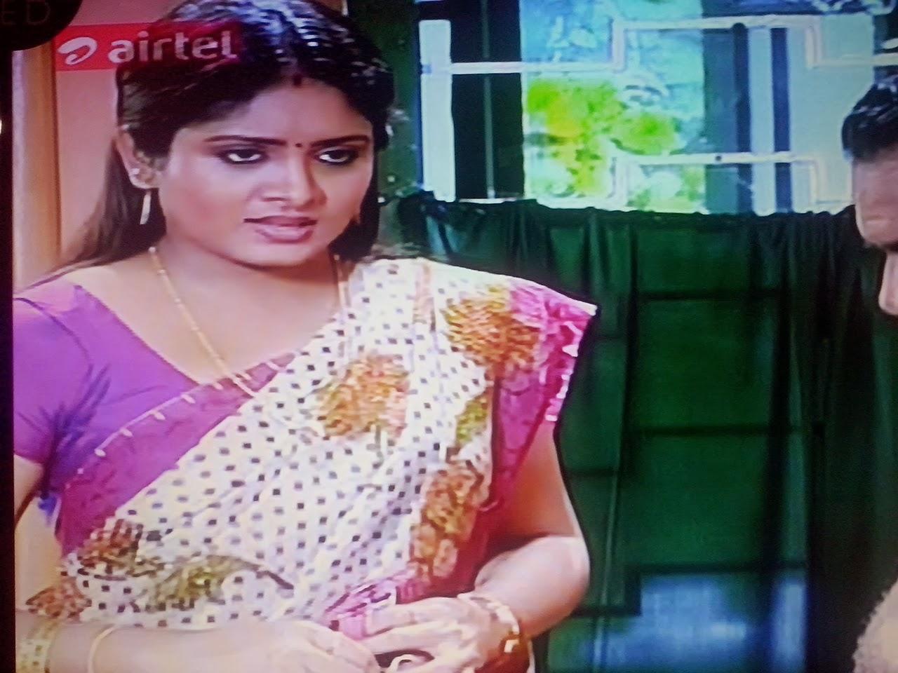 serial actress gayathri in saree stills serial actress gayathri hot
