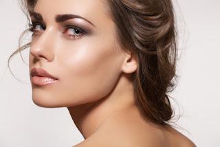 Tips to Lighten Dark Lips Naturally