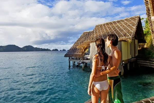 honeymoon in Raja Ampat, Raja Ampat hidden pradise, diving in Raja Ampat, sunset raja ampat, romantic paradise, coral reef raja ampat, snorkeling, holiday in raja ampat, adventure, manta ray